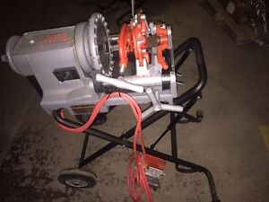 Nice Ridgid Portable Wheeled 300 Compact Pipe Threader Die Head 1822 535 141 161