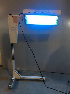 Air shields Flouro lite Pt533 1 Infant Phototherapy Unit