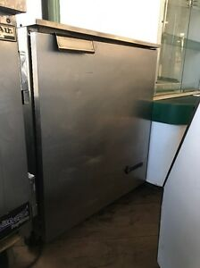 Victory Ur 27 Used Commercial 27 Undercounter Refrigerator
