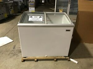 Summit Commercial Chest Freezer Hi30c