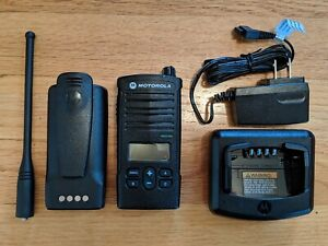Motorola Rdx Rdu4160d Uhf Two way Radio Compatible With Rdu4100