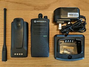 Motorola Rdu4100 Uhf Two way Radio Refurbished 4 Watts 10 Channels