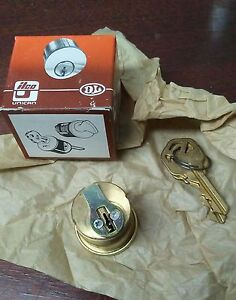 Ilco 1 1 4 Mortise Cylinder Kw1 Keyway Bright Brass Finish 03 With Yale Cam