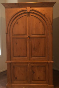 Reduced Charming Country French Arrmoir Or Wardrobe With Arched Doors