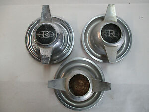 Buick Rivera Center Hub Caps Spinners Flipper J12722