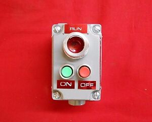 Killark Xcs 0a15 Cover W Device Mini Pushbuttons Pilot Light red