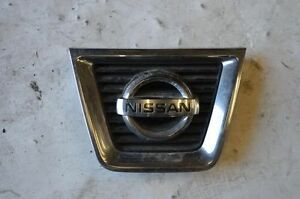 2010 Nissan Rogue Center Grille With Emblem