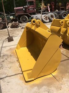 72 Grading Bucket Caterpillar Cat 225 Excavator