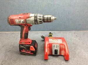Milwaukee 0624 20 M18 Lithium ion 1 2 Inch Cordless Hammer Drill Driver Kit