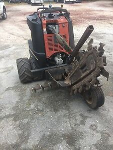 Zahn R300 Ditch Witch Ride Along Trencher reduced