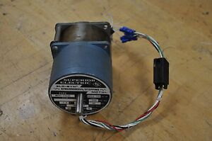 Superior Electric Slo syn Synchronous Stepping Motor M091 fd09e 1 7 V 4 7a