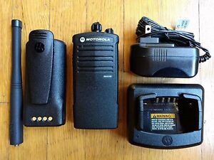 Motorola Rdx Rdv5100 Vhf Two way Radio 5 Watts 10 Channels