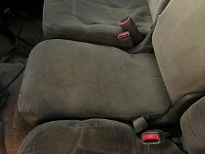 99 07 Chevy Silverado Gmc Sierra Truck Front Seats Tan Cloth Manual 1 1 2 Cab