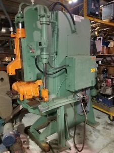 Pines 25t 30 Ton Vertical Hydraulic Tubing pipe bar Bender Lots Of Tooling