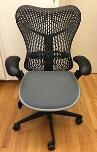 Herman Miller Mirra Chair Graphite Black Aeron L a calif Pickup delivery