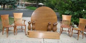 Gorgeous Tiger Oak Round Table With Leaves Four Vintage Chairs Local Pickup
