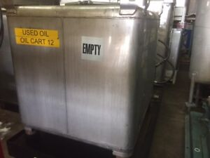 300 Gallon Stainless Steel Clawson Tank