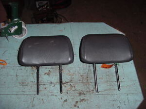 2002 02 Saab Front Head Rest Black Leather Seat Headrest Left Right Lot Of 2
