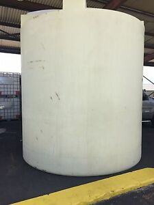 5500 Gallon Poly Water Storage Plastic Tank Reduced For Quick Sale make Offer