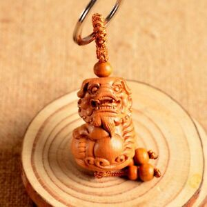 Wood Carving Chinese Geomancy Vintage Lion Foo Dog Wooden Statue Key Chain Ring