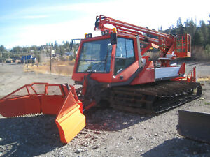 Leitner Snowcat With Man Lift bucket Lift Sizzor Lift