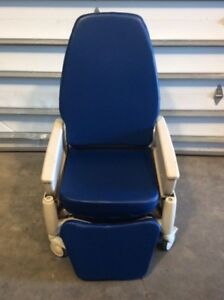 Hill rom P1320 Procedural Recliner Exam Chair 4 Medical Hospital Furniture