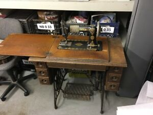 Antique Singer 6 Drawer Treadle Sewing Machine