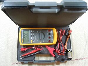 Fluke 87v Trms Multimeter Kit With Leads Temp Probe Free Hard Case 57627