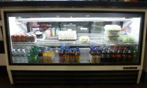 72 True Deli Case Curved Glass Deli Bakery Display Case Refrigerated