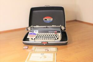 Vintage Smith corona Classic 12 Manual Typewriter Excellent Working Condition