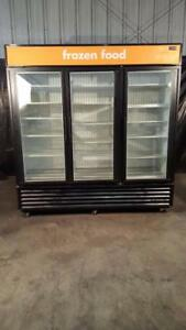 True Gdm 72f Glass Door Merchandiser Freezer W Three Sections