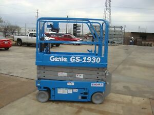 Genie Gs1930 Year 2014 Scissor Lift 19 H X 30 W 19 Feet