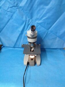 American Optical Spencer A o 1034 Microscope With 4 Objectives