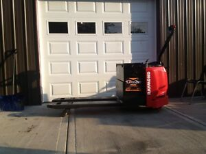 2013 Raymond Pallet Jack Electric Forklift Model 831