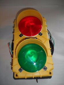 Tri Lite Sg20 Signal Light Traffic Control Stop Go Loading Dock Master Control