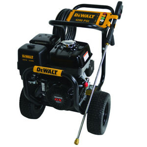 Dewalt Dxpw4240 Gas Powered Pressure Washer 4 200 Psi 4 0 Gpm Honda Gx390 Engine