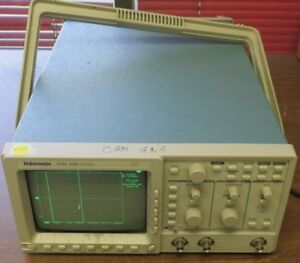 Tektronix Tds 350 Two Channel Oscilloscope 200mhz 1gs s