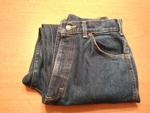 Women's Lee Riders Petite Size 10P PM 100 % Cotton Tapered Blue Jeans Inseam 29!
