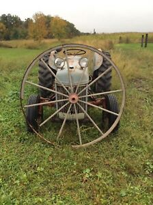 Antique Lg Wooden Buggy Wagon Cart Wheel Garden Art Old 57in Tall