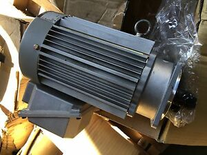 Sumitomo Sm cyclo 3 Phase Induction Motor New In Box Type Tc fx