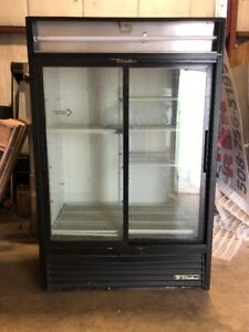 True Gdm Used 2 Door Sliding Glass Refrigerator Cooler Used