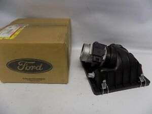 New Oem 1996 1997 Ford Thunderbird Air Cleaner Box Housing Cover Lid Top