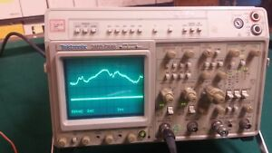 Tektronix 2465 Dms 300 Mhz Portable Four channel Analog Oscilloscope