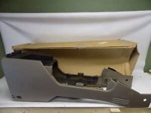 New Oem 2004 2005 Ford Explorer Front Center Console Panel 4l2z 78045a36 Caa