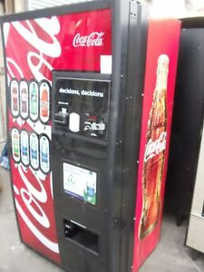 Royal Rvccr 660 8 Can Or Bottle Soda Vending Machine With Coke Wave Front