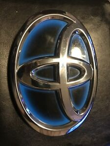 Genuine Toyota Camry Hybrid Luggage Compartment Door Emblem Oem 12 13 14 Models