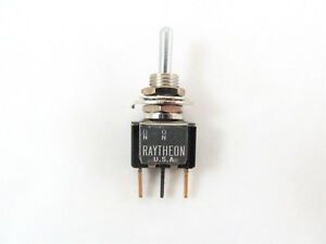2x Spdt Toggle Switch None on on Raytheon 105f2