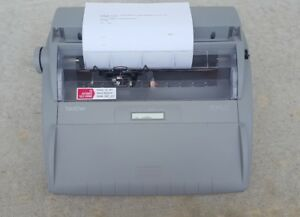 Brother Sx 4000 Electronic Typewriter 70000 Word Dictionary Automatic Relocation