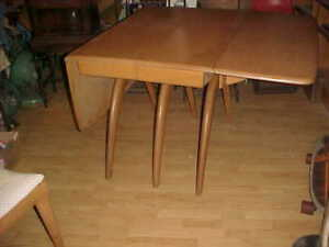 Heywood Wakefield Wishbone Table 2 Dog Bone Chairs Pick Up Penna