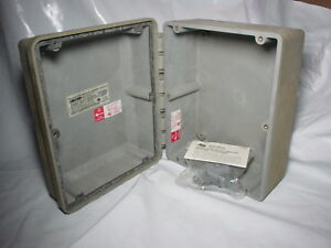 Carlon Circuit Safe Enclosure Cj Hinge 10 x8 x5 Cs Hingeless A 214858 Non metal